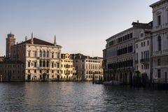 一条运河的看法在威尼斯 库存照片