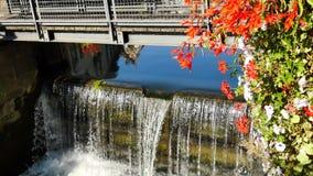 一条运河的锁在不适的河的 股票视频