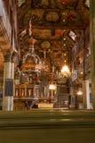 从一条长凳的内部在教会里 免版税库存照片
