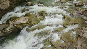 一条风雨如磐的山河,流经大石头的水小河 股票视频
