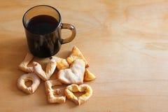 一杯咖啡曲奇饼爱 免版税库存图片