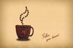 一杯咖啡的创造性的概念照片和心脏由co做成 库存照片