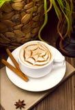 一杯咖啡,热奶咖啡艺术,拿铁艺术 免版税库存照片