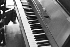 一架古老钢琴 免版税图库摄影