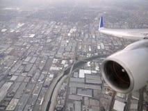 一架商业喷气机的空中喷气机和翼有Los天使的 库存照片