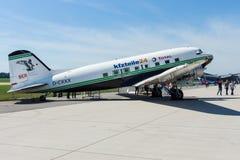一架固定机翼的推进器主导的班机道格拉斯DC-3 免版税库存图片