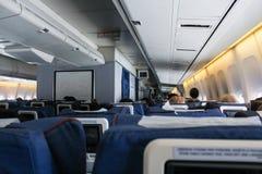 一架大型飞机的内部 免版税库存图片