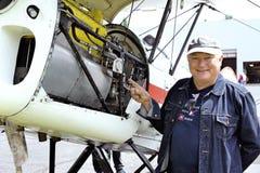 一架老双翼飞机Stampe的引擎的细节 免版税图库摄影
