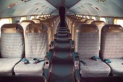 一架老飞机的内部 免版税库存照片