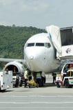 一架飞机的储蓄图象在机场 库存照片