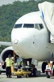 一架飞机的储蓄图象在机场 免版税库存图片