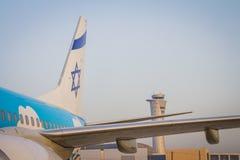 一架飞机的水平尾翼有以色列旗子的图画的和 免版税库存图片