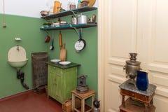 一栋共同公寓的厨房 库存图片