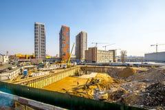 一栋现代居民住房的建筑在新的处所的莫斯科 库存照片