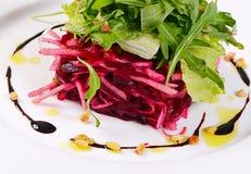 从一棵新鲜的甜菜的沙拉 库存照片