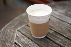 一次性生物可分解的杯子 免版税图库摄影