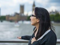 一次旅行的女孩向伦敦 免版税库存照片