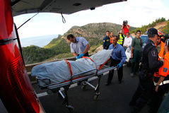一次致命的直升机失事的抢救在马略卡西班牙海岛  免版税库存照片