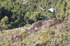 一次致命的直升机失事的抢救在马略卡西班牙海岛  库存照片