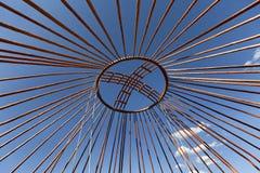 一游牧yurt的圆顶的冠在哈萨克斯坦 免版税库存图片