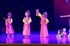 一点京剧爱好者北京舞蹈学院分级的测试卓著的儿童` s舞蹈教的成就陈列江西 库存图片