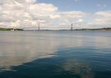 一点传送带桥梁在Middelfart,丹麦 免版税库存照片