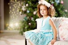 一点冬天童话女孩 免版税库存照片