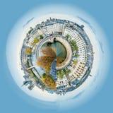 一点巴黎圣母院和塞纳河全景行星视图在巴黎在秋天 免版税库存照片
