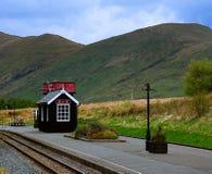 一点火车站大厦在Snowdonia国家公园 免版税库存图片