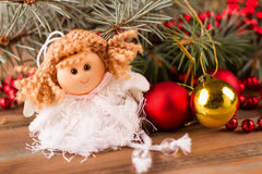 一点神仙的开会在圣诞树下 库存照片
