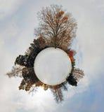 一点行星-在冬天定期的360个程度的地球全景 库存照片