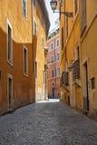 一点街道在罗马 免版税库存图片