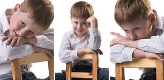 一点逗人喜爱的金发男孩三张画象拼贴画倾斜在椅子的白色衬衣的 免版税库存图片