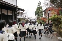 一热观光在英雄传奇toriimoto保存了街道 免版税库存图片
