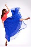 一现代芭蕾舞女演员插入的回到视图 免版税库存照片