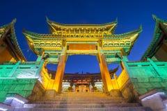 一百个鸡寺庙在shangrila,中国老镇  库存照片