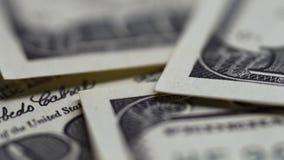 一百元钞票宏观被射击的特写镜头逐个漂浮 股票录像