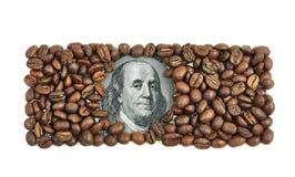 一百元钞票由咖啡豆制成 免版税库存照片