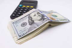 一百元钞票的束 免版税库存照片