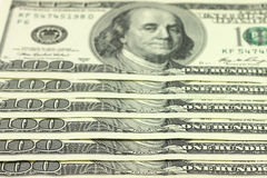 一百美元新的钞票背景 免版税库存照片