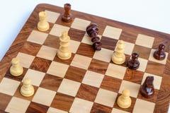 一盘象棋 棋国王被封死,下棋比赛  图库摄影