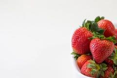 一碗草莓 免版税图库摄影