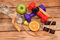 一种健康生活方式、体育和饮食的概念 免版税图库摄影