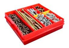 一箱螺丝和螺栓 库存图片