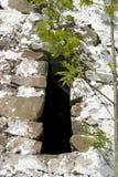 一老爱尔兰石墙视窗 免版税库存照片