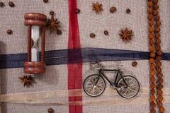 一老自行车滴漏和rudraksha的模型 免版税库存照片