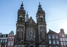 一般风景视图在传统荷兰教会里 时间间隔 免版税库存照片