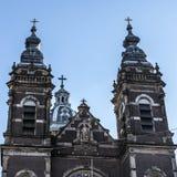 一般风景视图在传统荷兰教会里 时间间隔 免版税库存图片