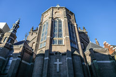 一般风景视图在传统荷兰教会里 时间间隔 库存照片