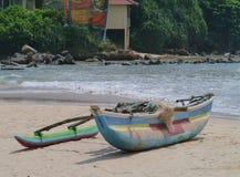 一艘传统五颜六色的捕鱼船 库存图片
